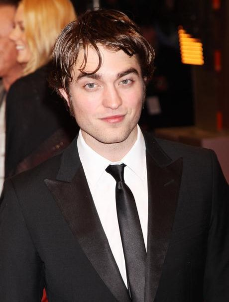 Robert Pattinson Changing Styles (19 pics)