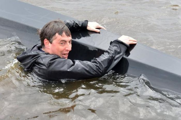 German Politicians Boat Fail (15 pics)