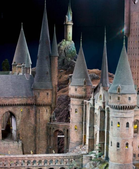 The Real Life Hogwarts Castle (7 pics)