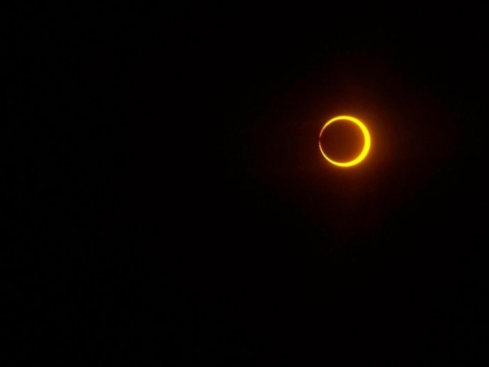 Beautiful Photos Of The Solar Eclipse (50 pics)