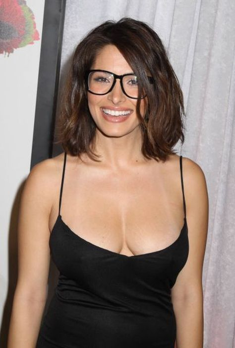 Girls In Glasses (63 pics)