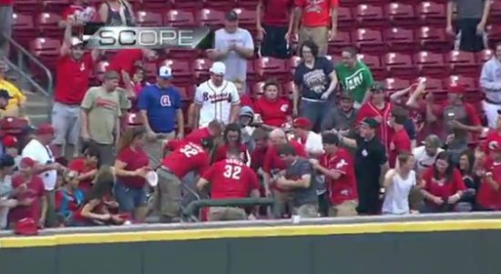 Lucky Baseball Fan Cathes Back-to-Back Ball