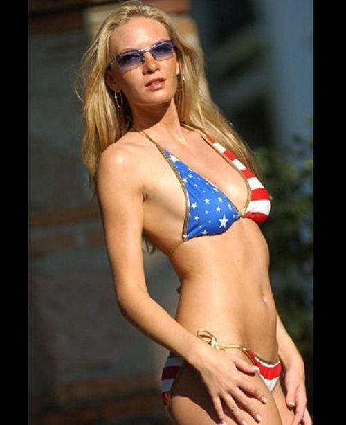 Girls Wearing American Flags (58 pics)