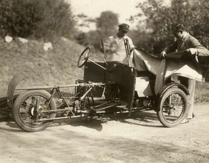 German Folding Car from 1929 (4 pics)