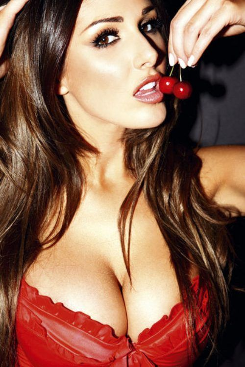 Beautiful Cleavage (30 pics)