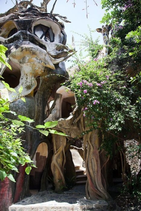 Dalat Crazy House in Vietnam (24 pics)