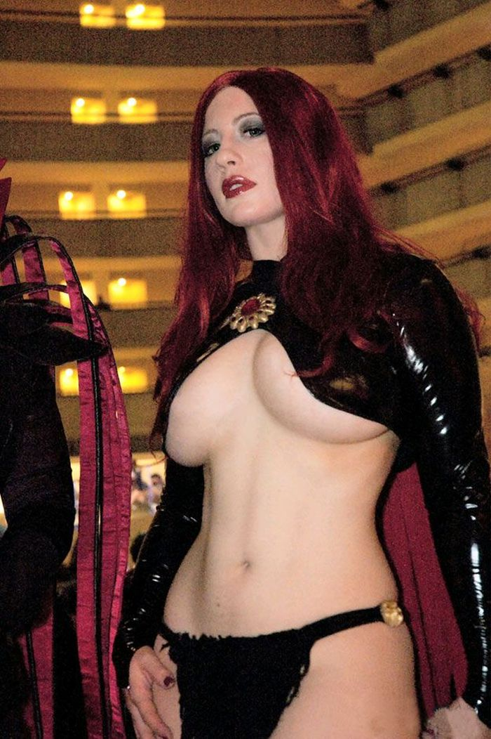 The Sexiest Dungeons  Dragons Dress Ever 4 Pics-9756