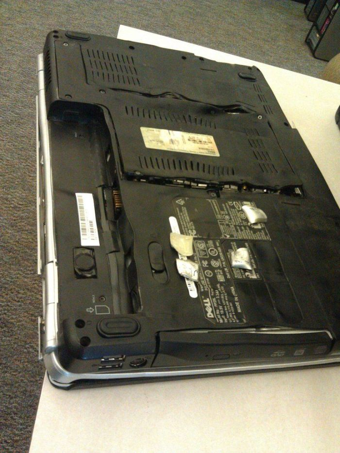 Never Put Your Notebook Into an Oven (3 pics)