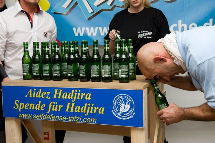 Guinness World Records of 2012 (51 pics)