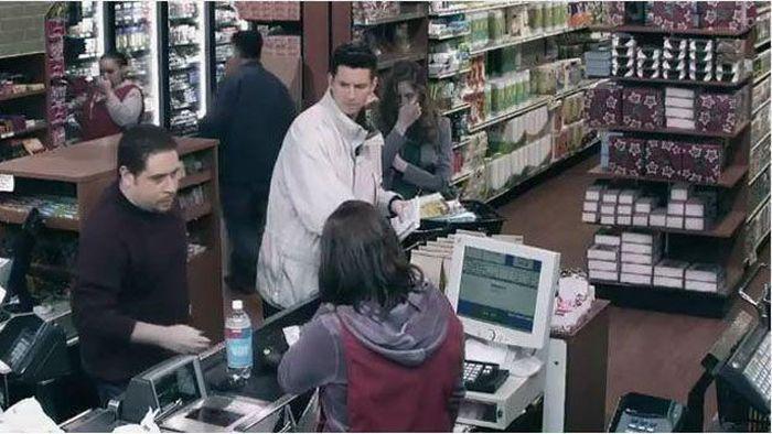 The Millionth Customer (7 pics)