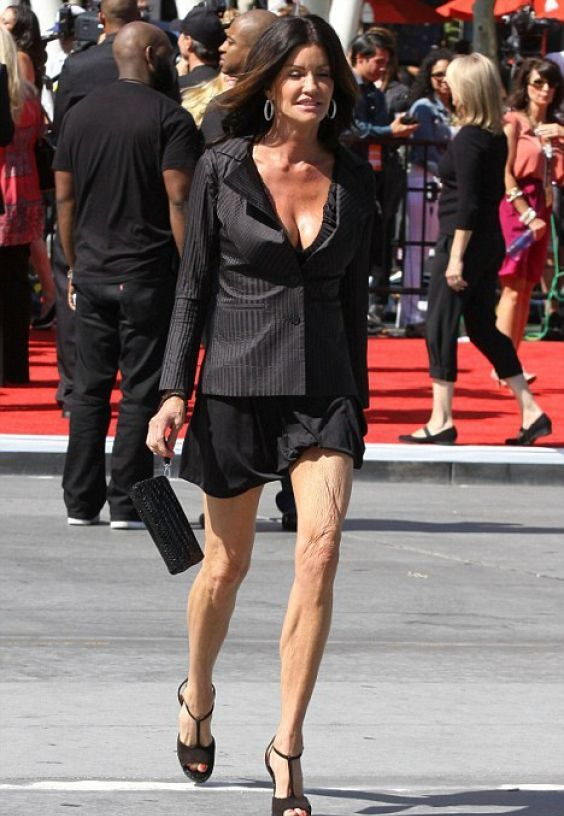 Ex-Model Janice Dickenson Is 60 Years Old... (2 pics)