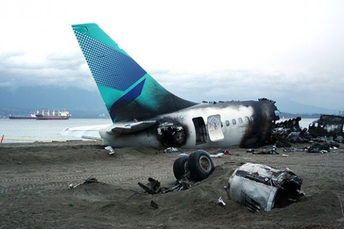 Plane Accidents and Crashes (96 pics)