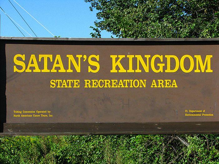 Funny U.S. Town Names (10 pics)