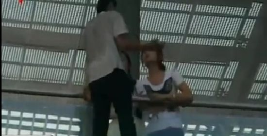 Girl Rescues Suicidal Guy From Fatal Jump