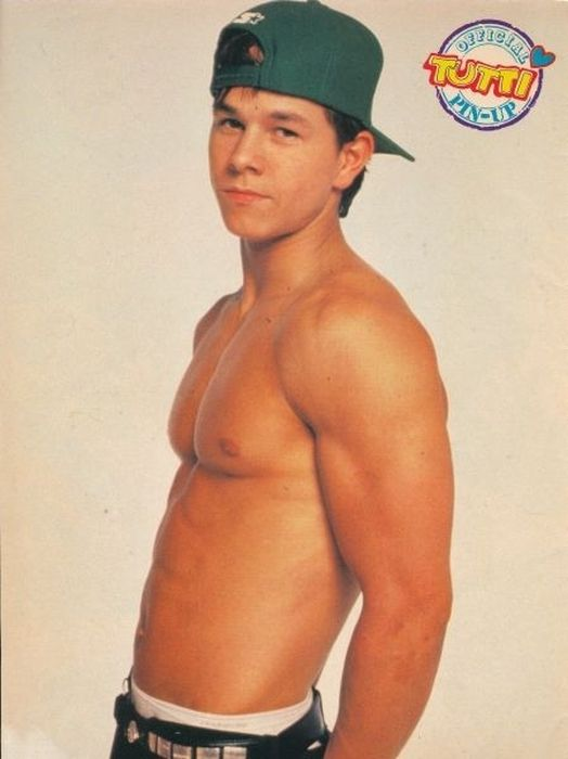 Shirtless Pictures Of Mark Wahlberg (41 pics)