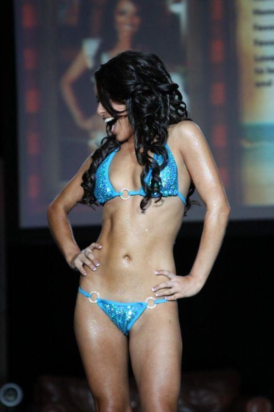 peaks quay bikini contest