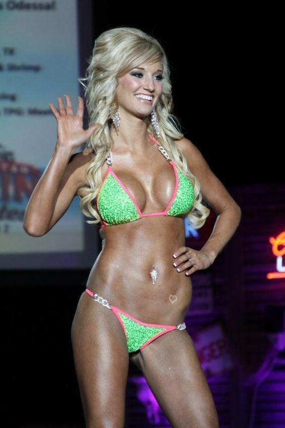 Miss Twin Peaks Bikini Contest 2012 (28 pics)