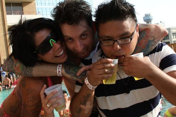 """The """"Adult Swim"""" Pool Party at Crowne Plaza (37 pics)"""