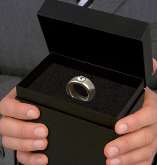 Engagement Ring? No, It's Not (5 pics)