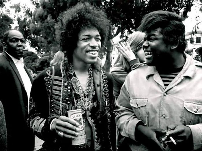 Hanging out with Jimi Hendrix (22 pics)