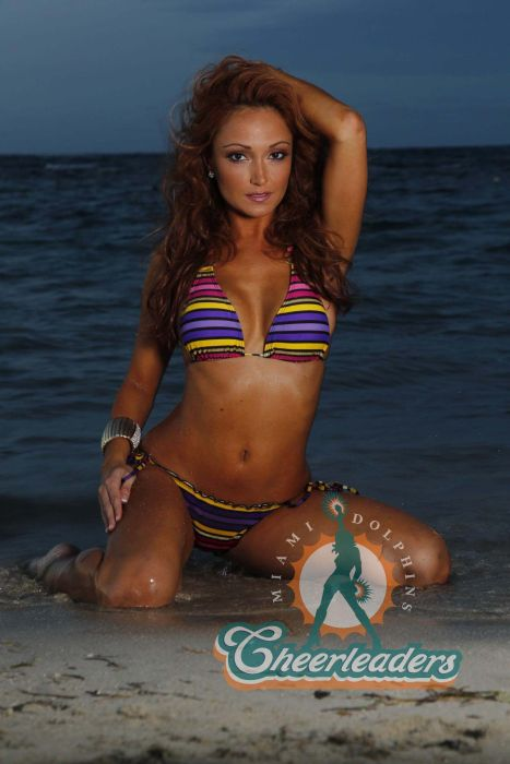 Miami Dolphins Cheerleaders (18 pics)