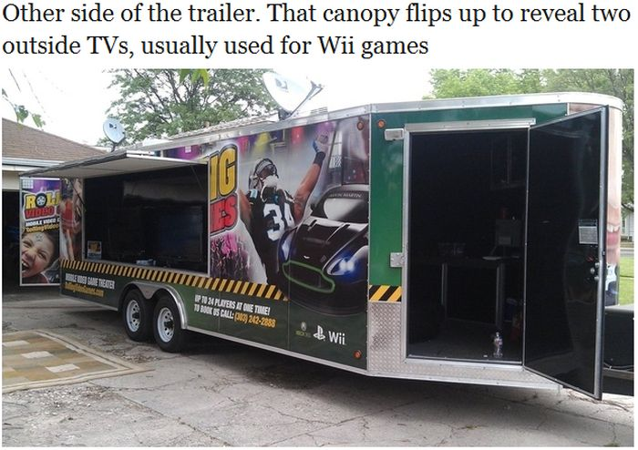 Rolling Video Games Truck (8 pics)