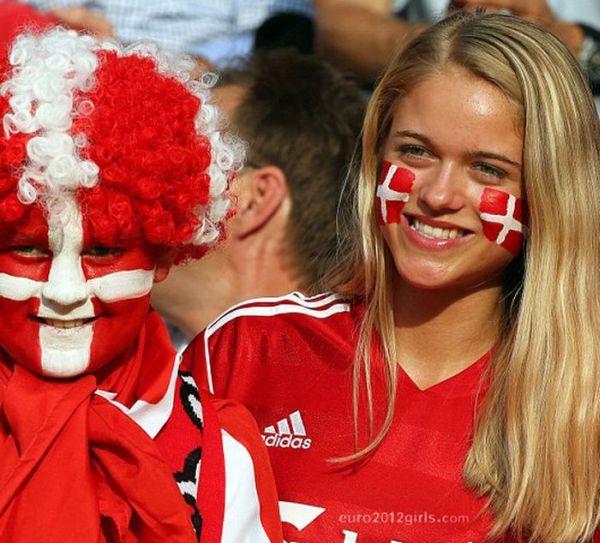Euro 2012 Girls (80 pics)
