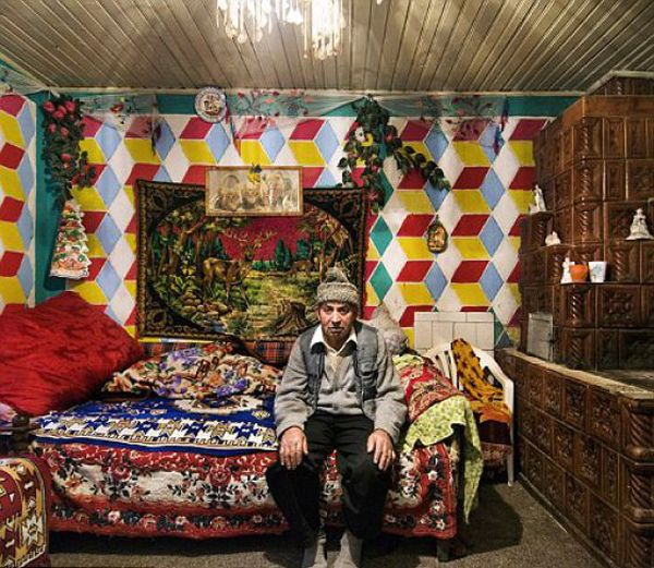 Houses of Romanian Gypsies (36 pics)