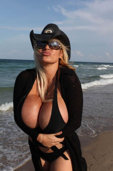 Lacey Wildd Before and After 13 Breast Enlargement Surgeries (14 pics)