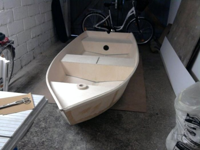How to Build a Boat at Home (34 pics)