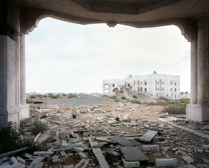 Post-Apocalyptic Dubai (14 pics)