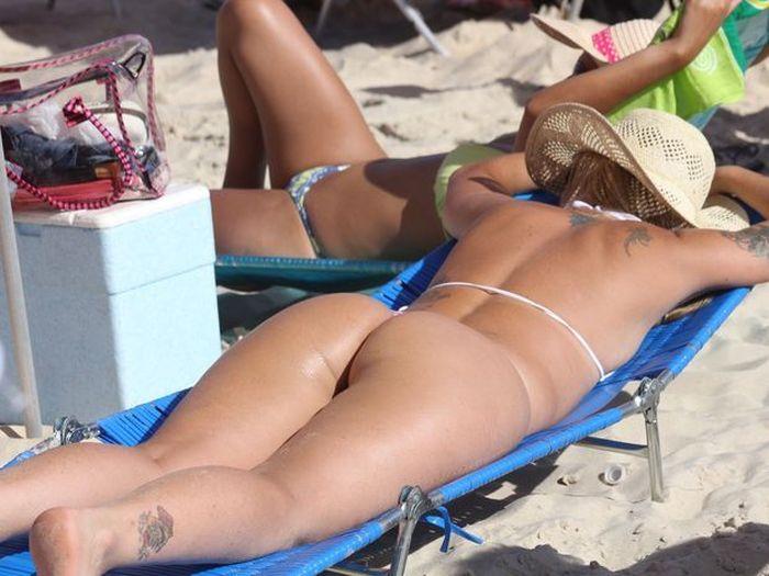 Sexy Beach Girls (22 pics)