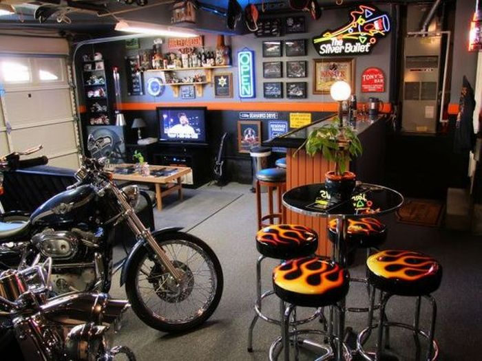 Awesome Man Caves (20 pics)