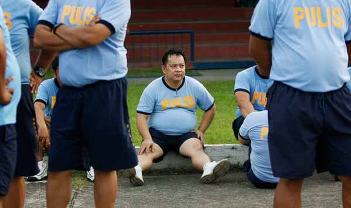 Philippine Police Fitness Boot Camp (4 pics)