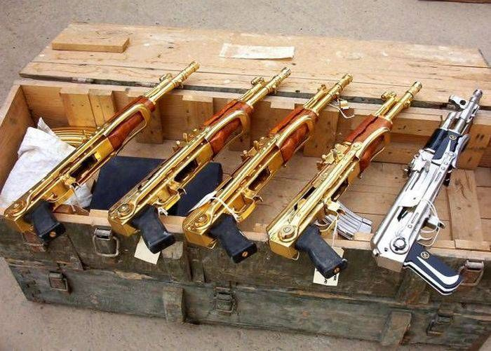 Saddam Hussein's Gold Guns (19 pics)