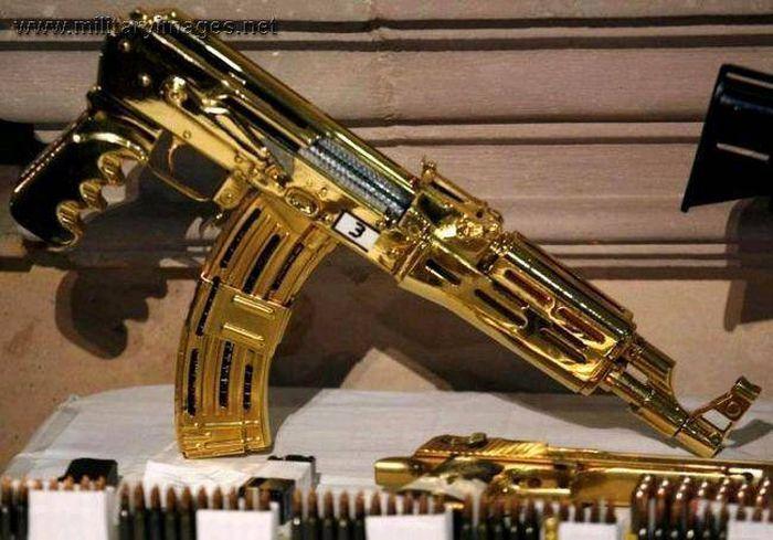 Saddam Hussein's Gold Guns (19 pics)