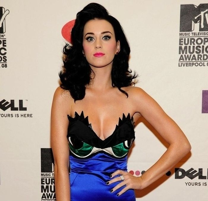 What Katy Perry Has Worn On Her Breasts (31 pics)
