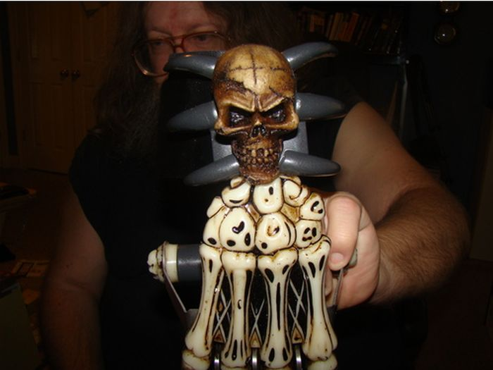 Zombie Gear Demon Bones Tri-Bladed Fantasy Hand Claw (11 pics)