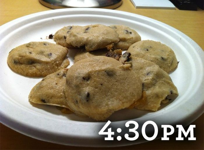How to Bake Cookies Inside a Car (3 pics)