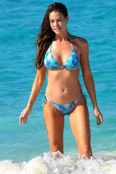 Celebrities Wearing Blue Bikini (51 pics)