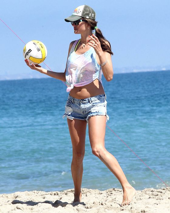 Alessandra Ambrosio Playing Volleyball (44 pics)