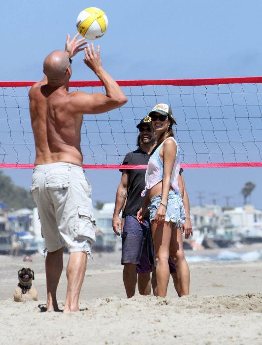 Alessandra Ambrosio Playing Volleyball (44 pics)