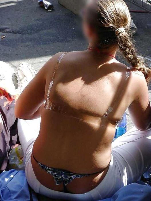 Girls with Whale Tails (47 pics)