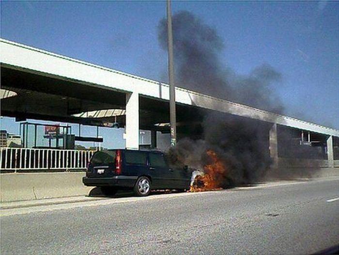 Sport Cars on Fire (45 pics)
