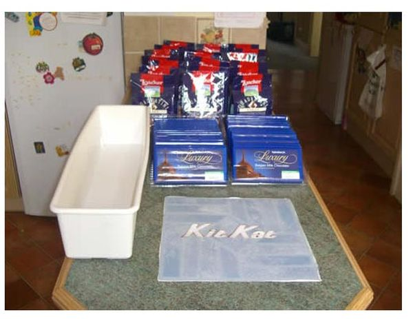 DIY Gigantic Kit Kat (7 pics)