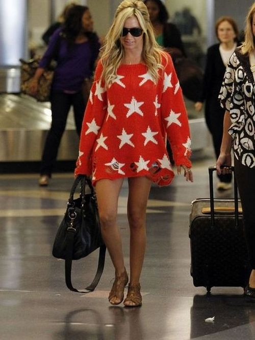 Celebs Love Red Sweater (4 pics)