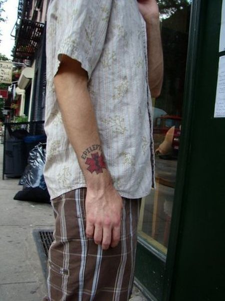 Medical Tattoos (16 pics)
