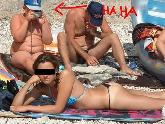 Embarrassing Beach Photos (66 pics)