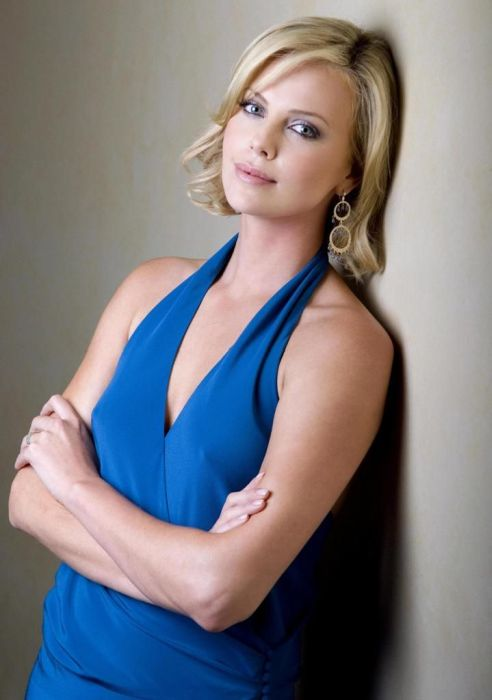 Photos Of Charlize Theron (47 pics)