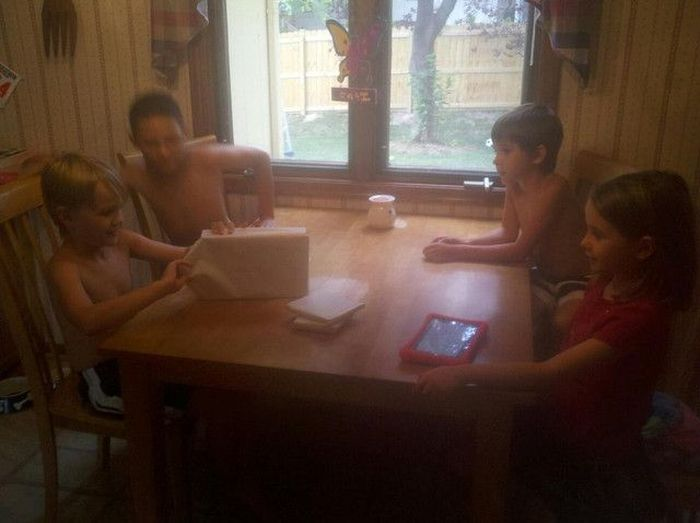 Trolling Your Kids is Not Cool (7 pics)